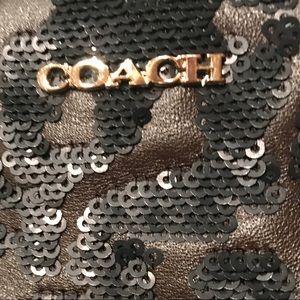 Coach Bags - NWT COACH LEATHER SEQUIN ZIP CLUTCH WRISTLET